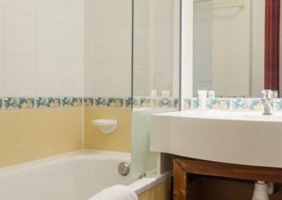 salle-de-bain-residence-le-mont-soleil-plagne-soleil